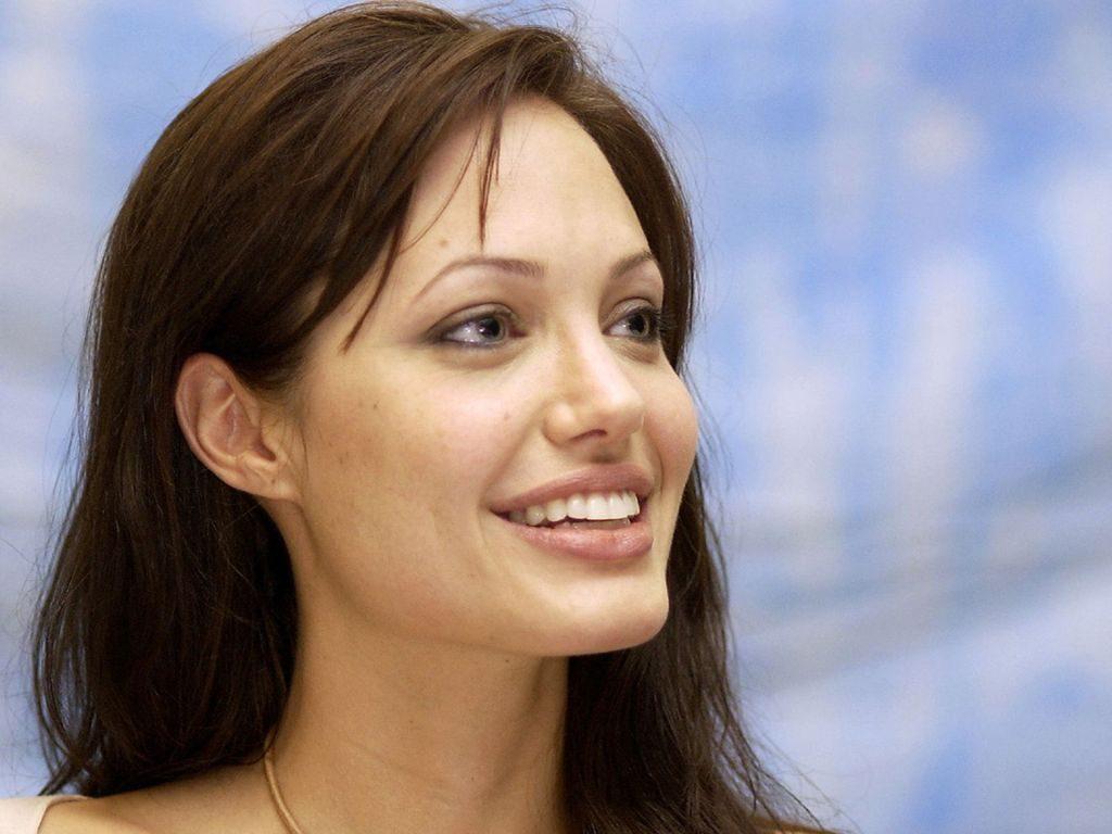 """Ferenc pápa és Angelina Jolie – """"Tiszteletbeli superjew-k"""""""