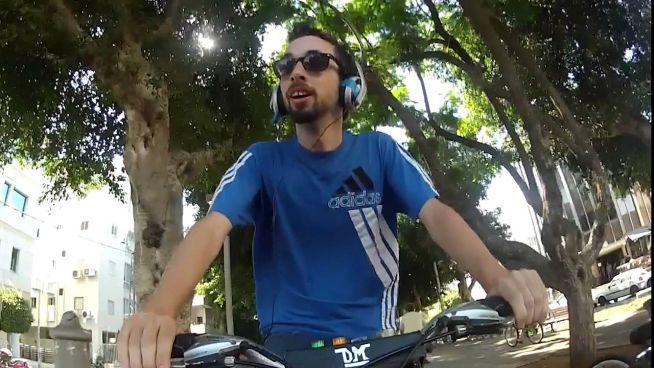 Bringázás Tel-Avivban