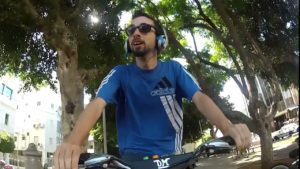 Megzenésítették, milyen Tel-Avivban biciklizni