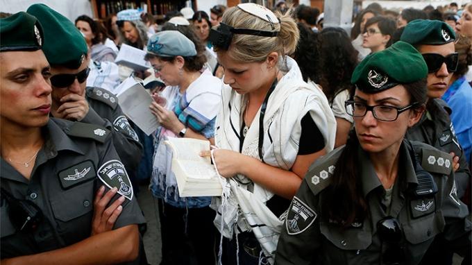 A Siratófal asszonyai: küzdelem a szabad vallásgyakorlásért