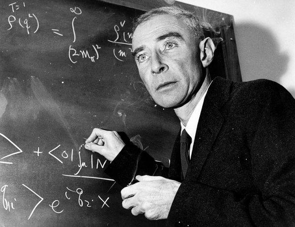 Oppenheimer: az atombomba atyja