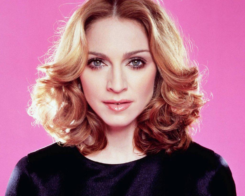 Nagy durranásra készül Madonna