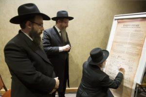 Gondoskodni kell a zsidó közösségek megmaradásáról
