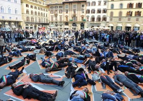 Civil flashmob akció a német megszállási emlékmű ellen