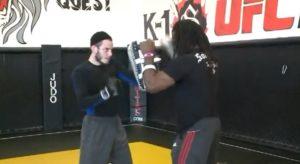 Kiütéssel megnyerte első amatőr MMA meccsét a rabbi