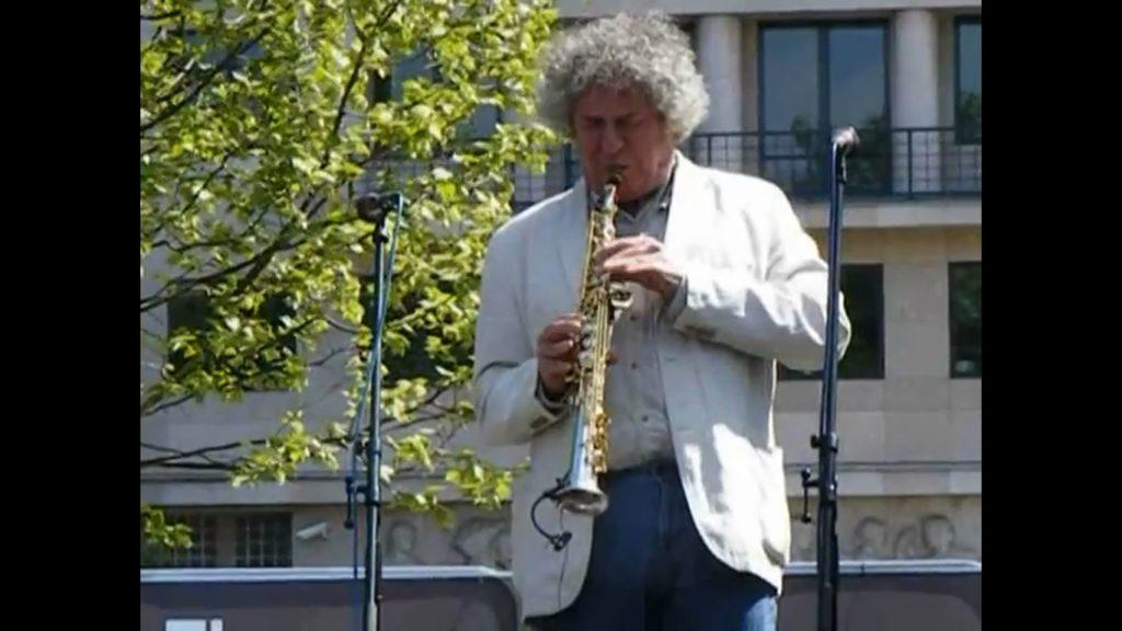 Dés László zenével tiltakozott a Szabadság téren