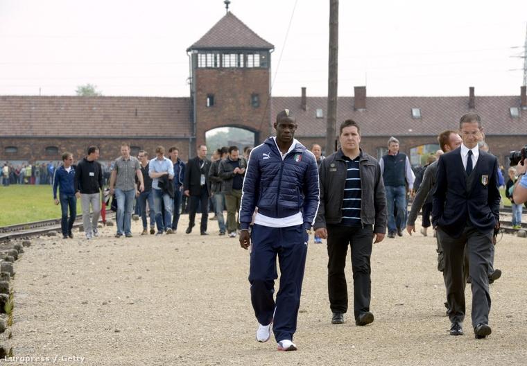 Palesztinokat vitt Auschwitzba: árulónak titulálták