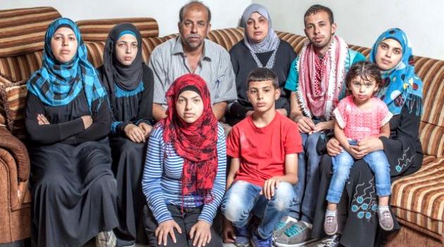 Mohammed Abu Khdeir gyászoló családja
