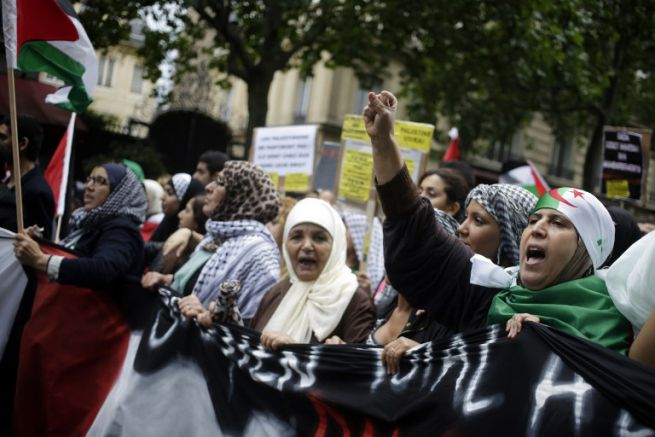 Izrael-ellenes tüntetés Párzsiban 2014. július 13-án