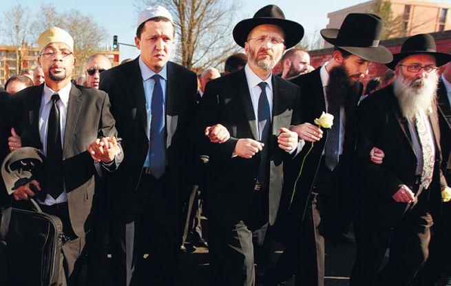 Muszlim és zsidó vallási vezetők közös demonstrációja Franciaországban