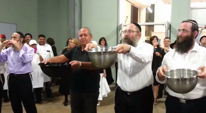 Táncoló rabbik és a jeges vödör teszt