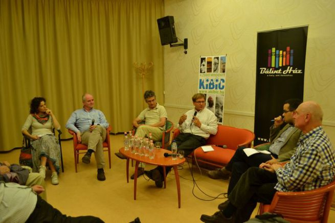 Hidas Judit, Béndek Péter, Takáts József, Fabiny Tamás, Ablonczy Bálint, György Péter (balról jobbra)
