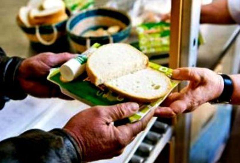 Vallásközi ételosztásban vesz részt a Szim Salom Hitközség