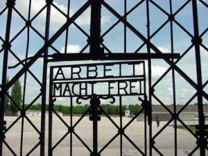 Ellopták A munka szabaddá tesz feliratú kaput Dachauból