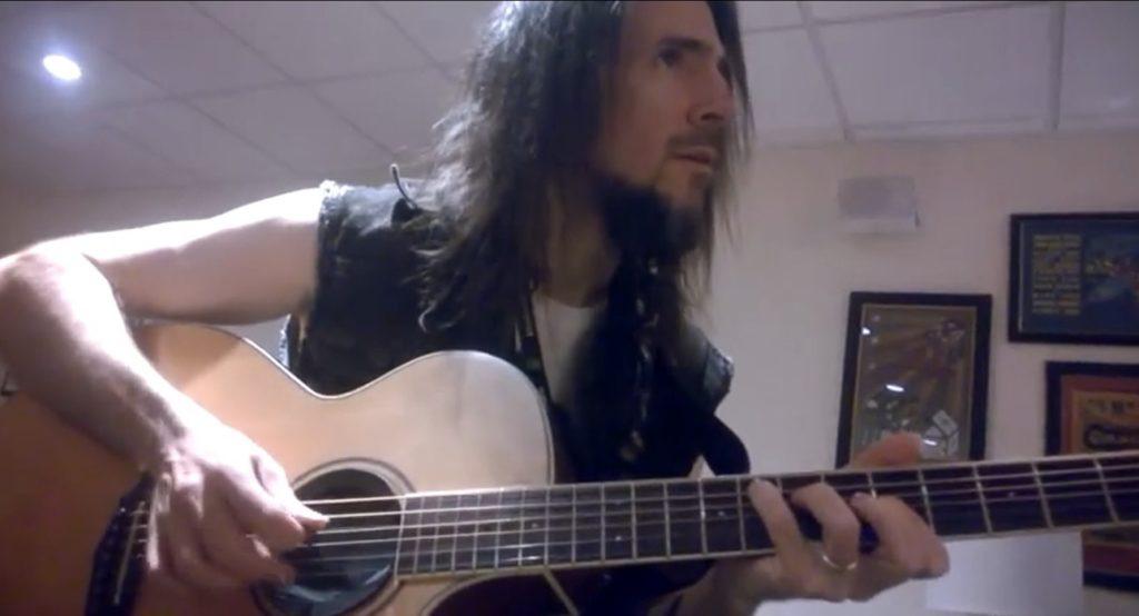 A Guns N' Roses izraeli himnuszt játszik!