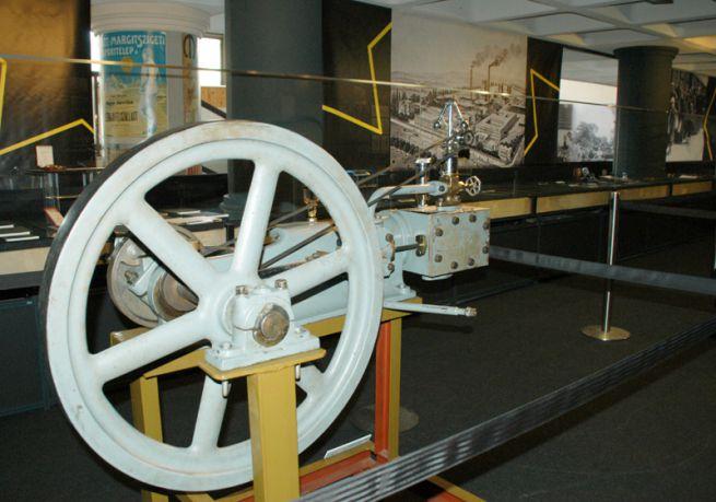 A Weiss-gyár egyik első gőzgépe