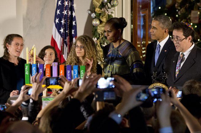 ...és a Fehér Házban: Barack és Michelle Obama zsidó és arab diákokkal