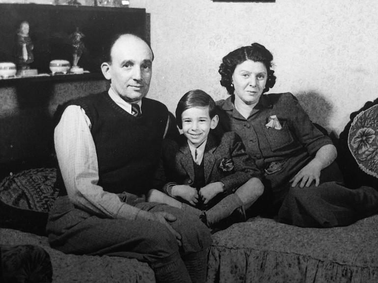 Fenntartásai voltak a zsidókkal szemben, de bújtatta őket