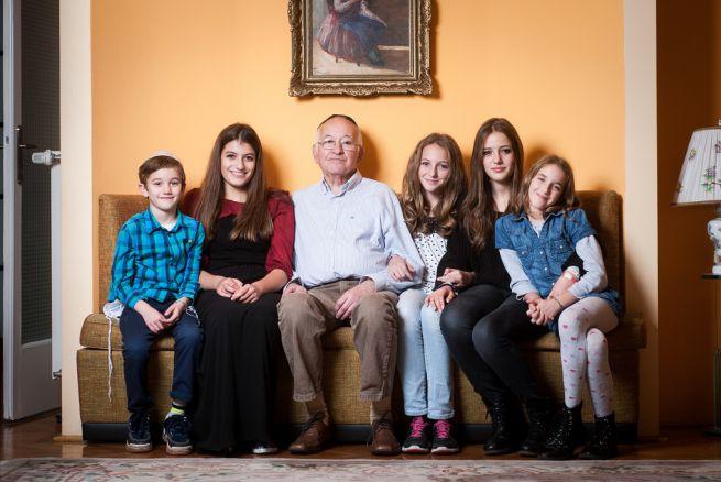 A 78 éves András és unokái