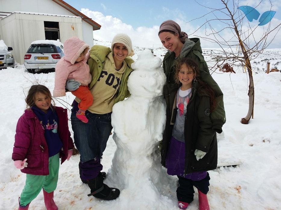 Képek az izraeli hóviharról
