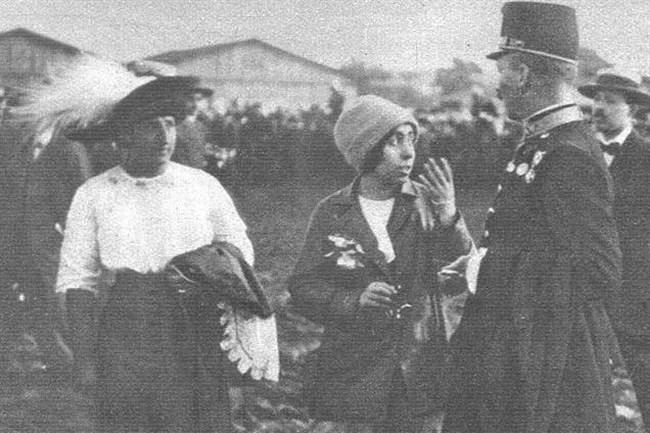 Steinschneider Lilly középen