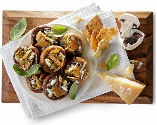 A mi izraeli konyhánk: pitás és sajtos gomba