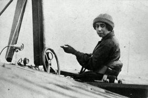 Nem engedték harcba az első magyar pilótanőt