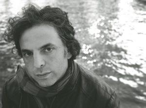 Etgar Keret: az írás kísérlet, hogy teljessé tegyem mindazt, ami hiányos