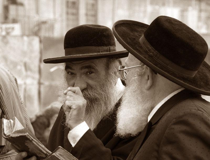 Kiállításmegnyitó: Önkéntes zsidó gettók népe