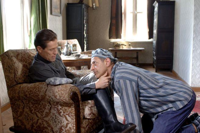 Willem Dafoe és Jeff Goldblum az Ádám feltámadása című filmben