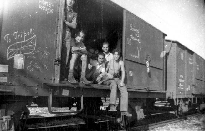 Líbiai zsidók hazatérése a Bergen-belseni koncentrációs táborból 1945-ben