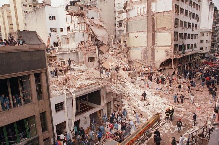 A zsidó közösségi ház elleni merénylet áldozataira emlékeztek Argentínában