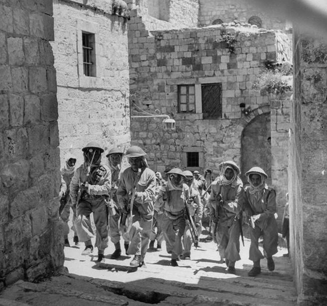 Arab katonák Jeruzsálemben, 1948 májusában