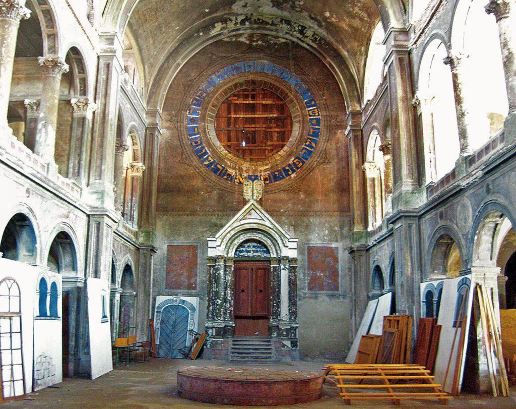 Raktárként használják, pedig a harmadik legnagyobb zsinagóga volt