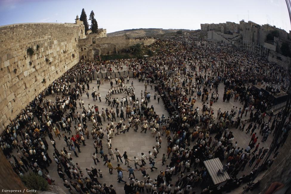 A Siratófal a zsidóké marad!