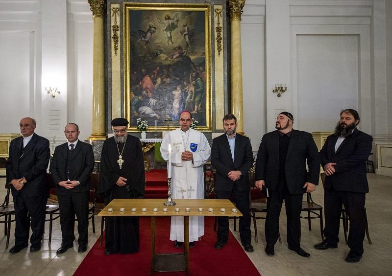 Zsidók, keresztények és muszlimok imádkoztak közösen a Közel-Kelet békéjéért