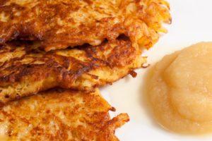 Miért épp latkeszt eszünk hanukakor? Rövid történelem