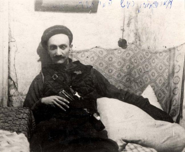 Chaim Yellin jiddis író aki egyben az illegális kommunista mozgalom egyik vezetője volt a kovnoi gettóban 1944