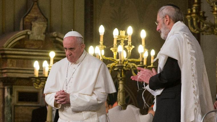 """Római főrabbi: """"ez egy új korszak kezdete"""" – Ferenc pápa a római zsinagógában"""