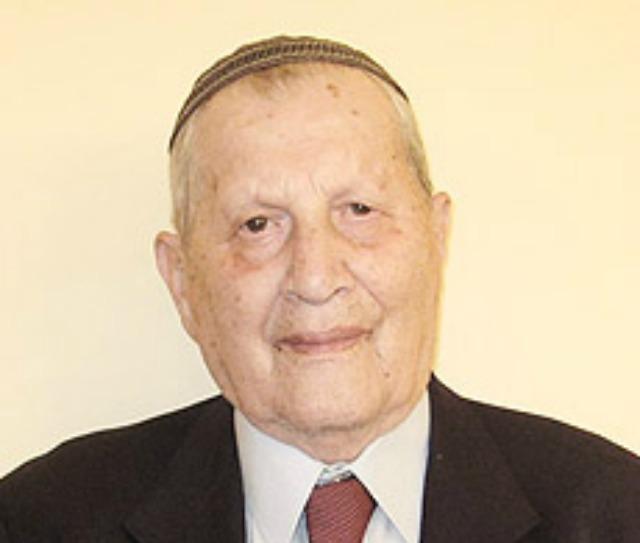 100 évesen kapott diplomát Izraelben egy kárpátaljai orvos
