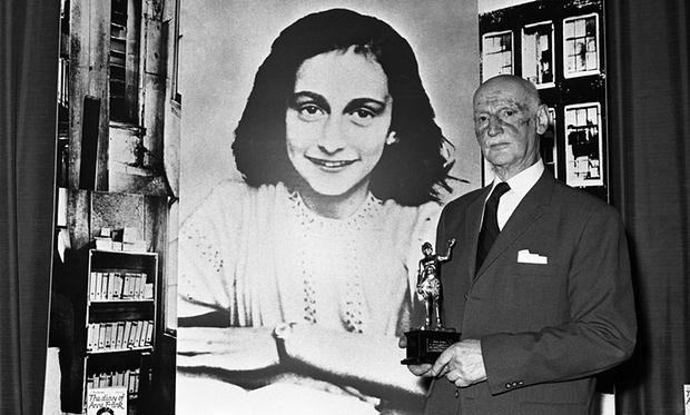 Éles vita Anne Frank naplójának ingyenes közzététele miatt