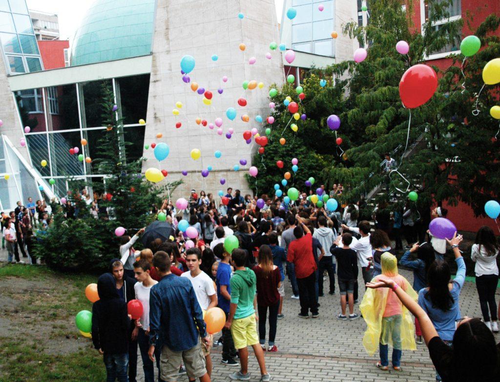 Pályázat rászoruló diákoknak a Lauderben! Jelentkezz!