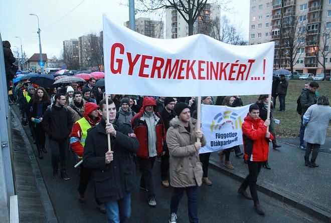 Álom a pedagógus tüntetésről
