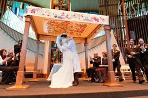 Milyen egy zsidó esküvő?