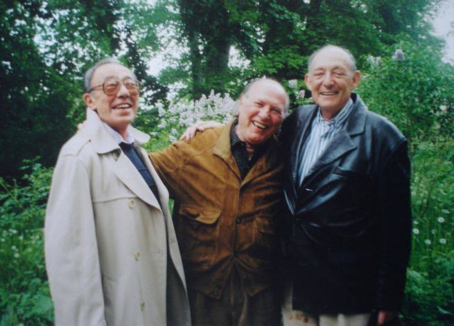 23 Ifjúkori barátaival Bokor Istvánnal Stephen Barlay és Kállai Istvánnal Berlinben 2003