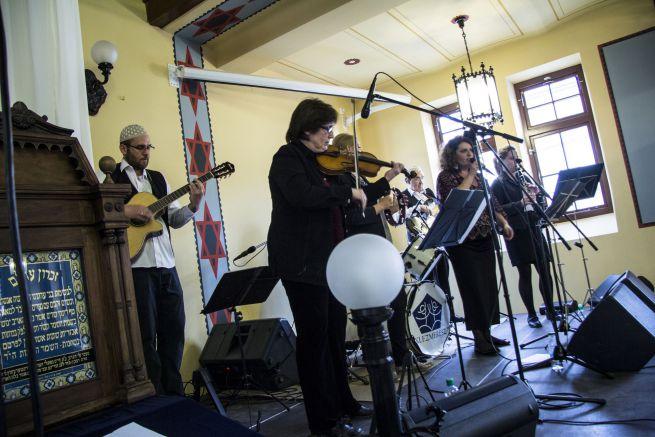 A fesztivál a Klezmerész együttes koncertjével zárult