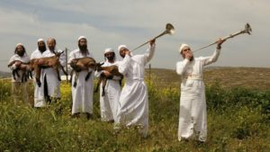 Napi Tóra: A fehér szín gyászt vagy örömöt sugall Pészachkor?