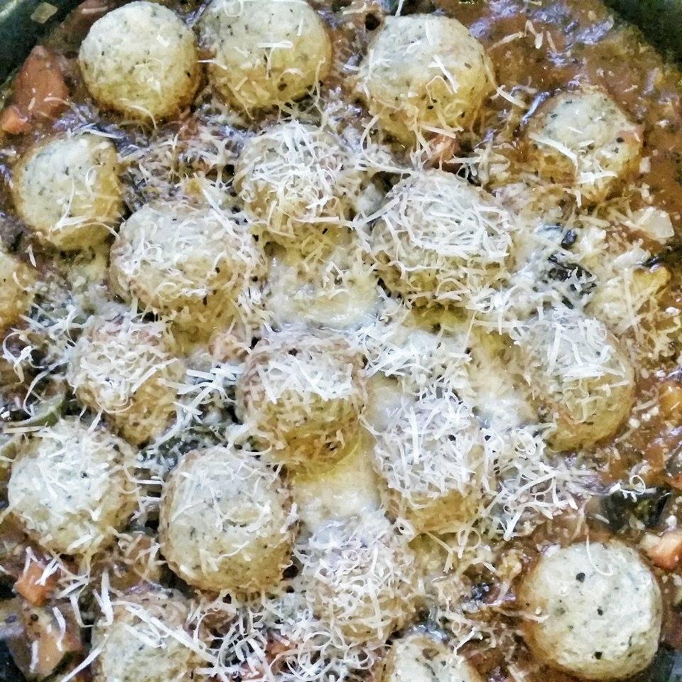 A Kóser de finom peszachi receptje: parmezános maceszgombóc