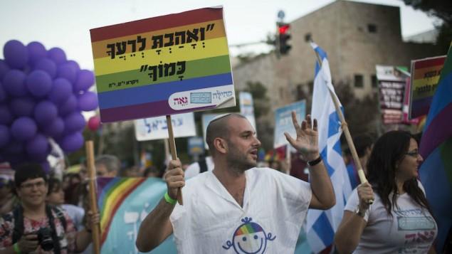 Több tucat ortodox rabbi állt ki a meleg felekezeti tagok mellett