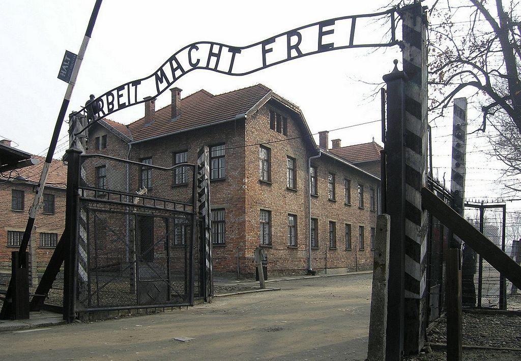 Netanjahu csempészte ki Németországból az auschwitzi tábor eredeti tervrajzait